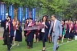 aöf'lülerin mezuniyet töreni1